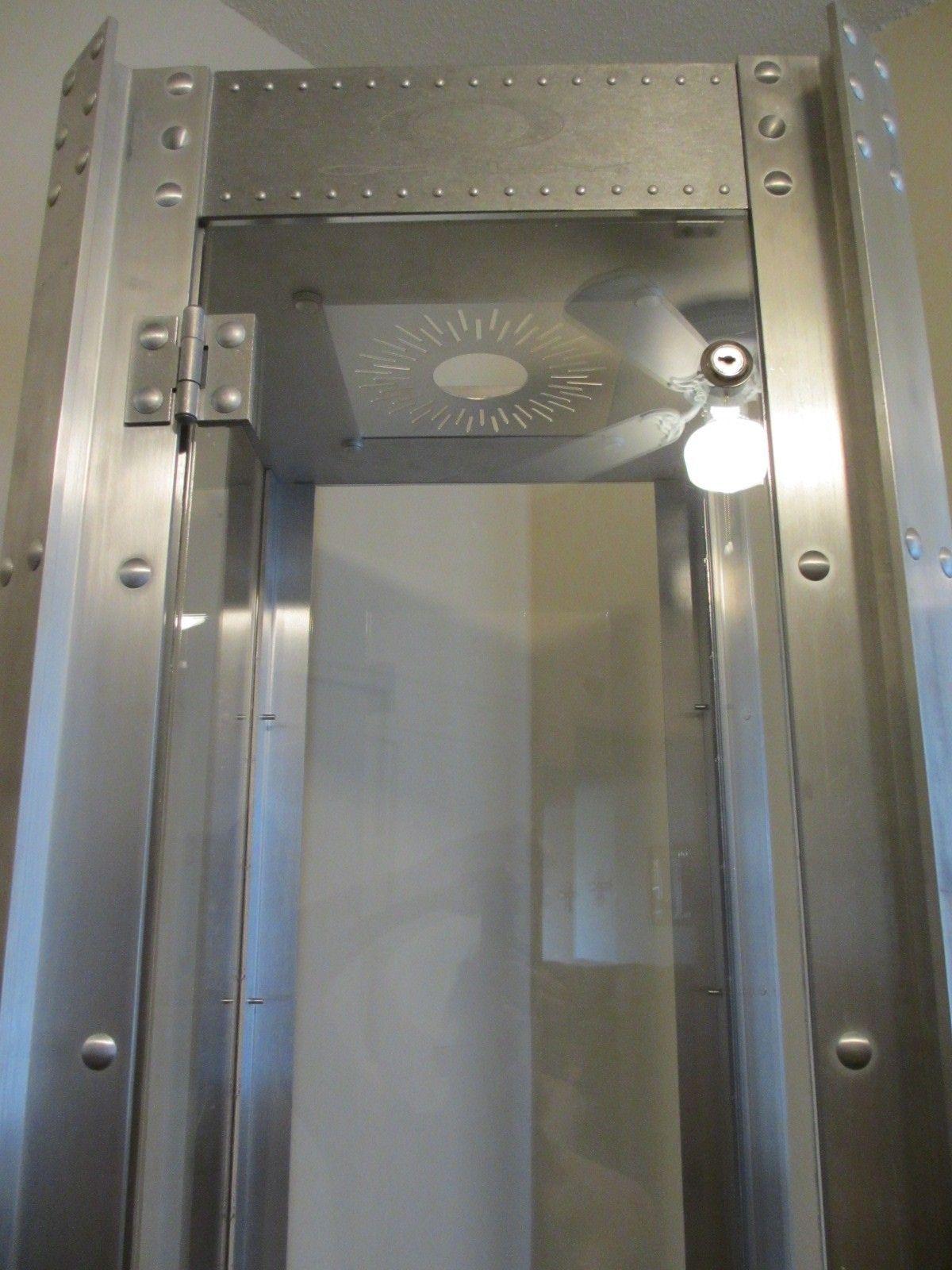 Finally got my Oakley Display Case!! - 004.JPG