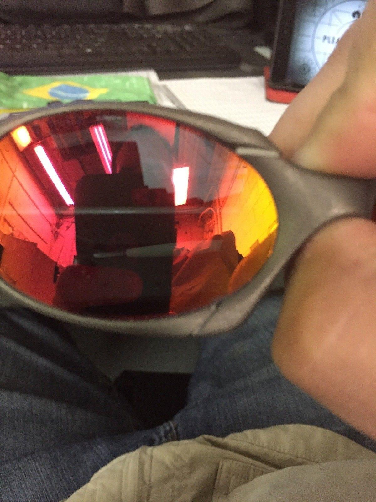 Price drop R1 with custom Ruby Polar lens, box - 004.JPG