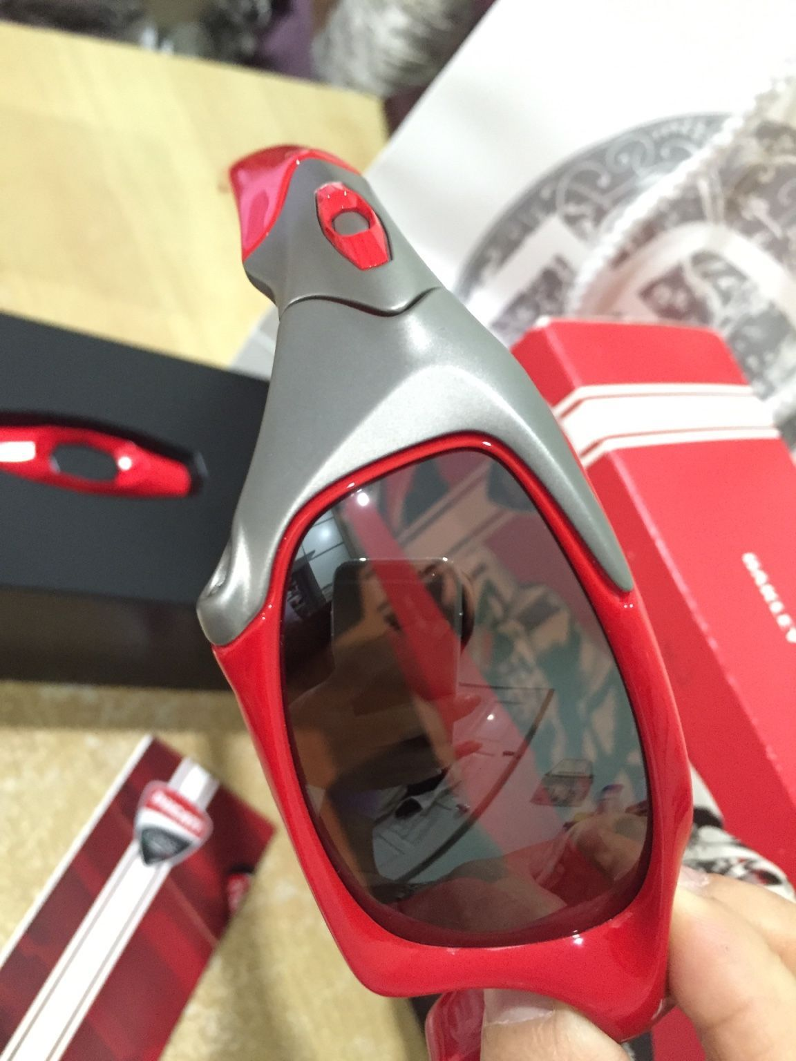 Oakley Ducati Pitboss - 0040851e4739f369c637880e4e3bbdab.jpg