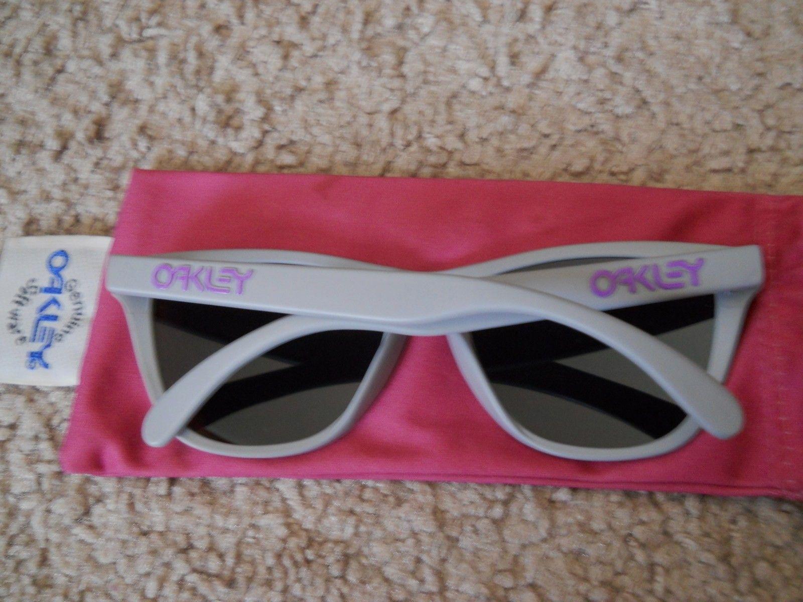 4 Legged Matte Grey/purple - $80.00 - 011ljr.jpg