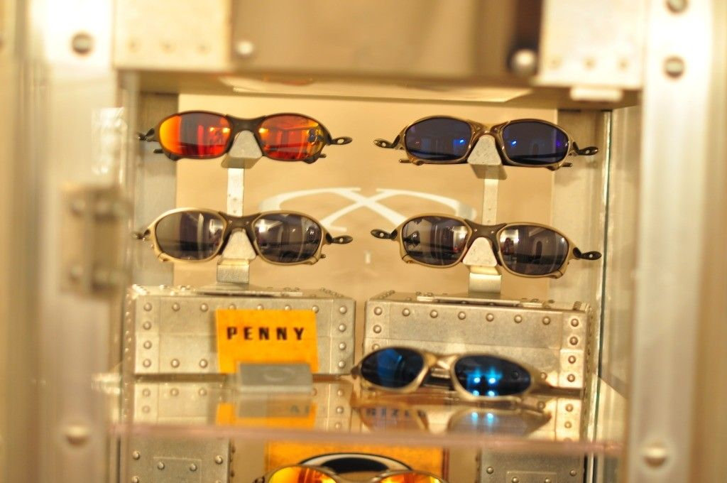 Bilogsky's Oakley Collection - 01Xmetals.jpg
