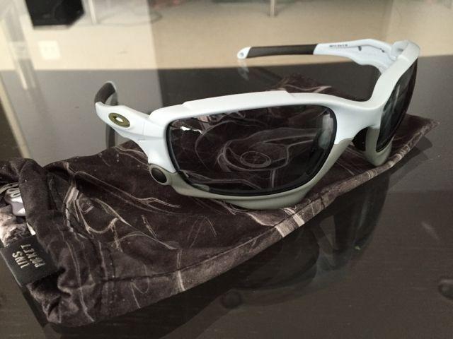 Oakleys for Sale - 038d2fd7284e869ada1105f438c1da65.jpg