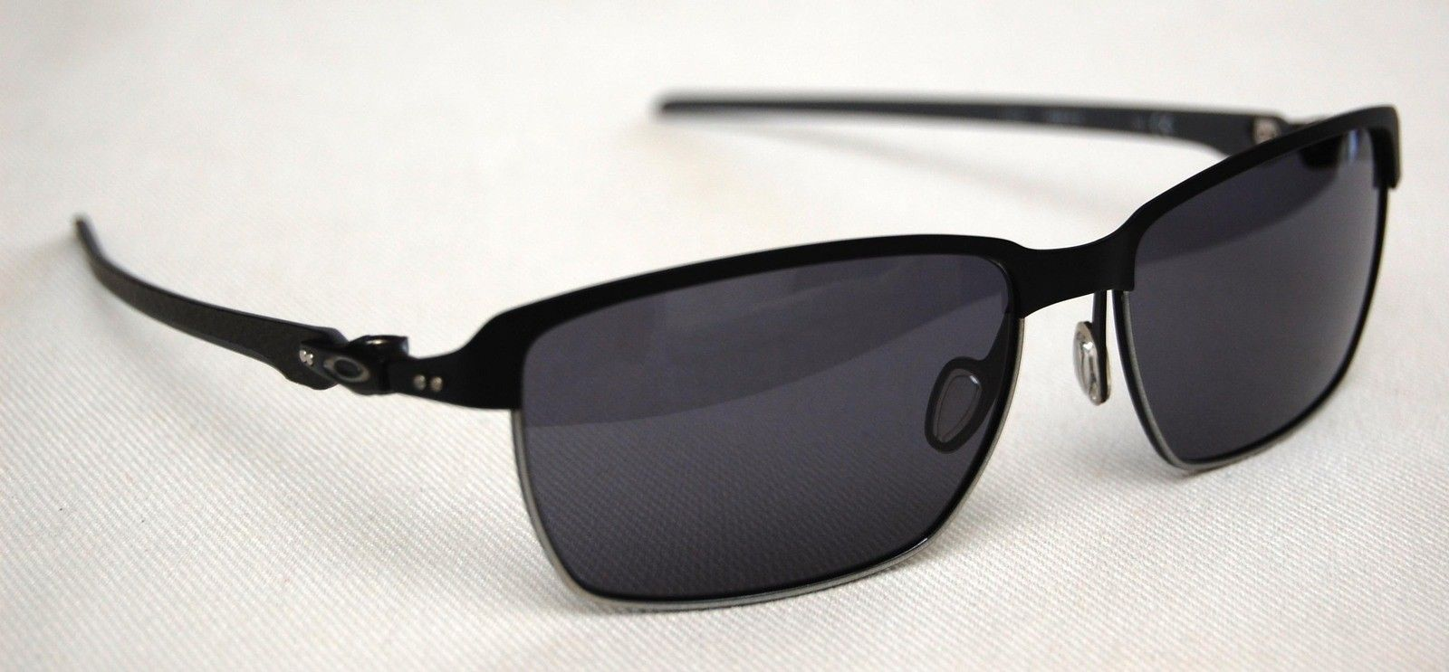 Tinfoil Carbon OO6018-01 Matte Black / Silver   Grey Lens - 04.jpg