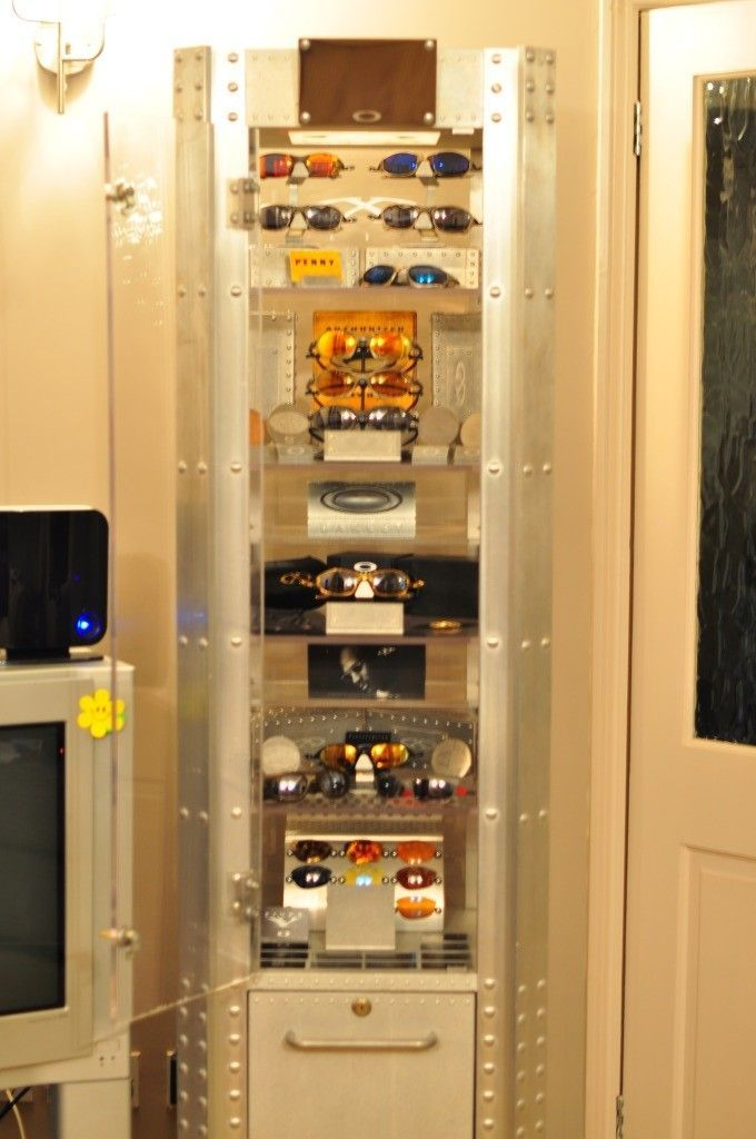 Bilogsky's Oakley Collection - 05Tower.jpg