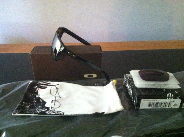 WTS: Shaun White Holbrook + Extra Grey Lens - 06be613d.jpg