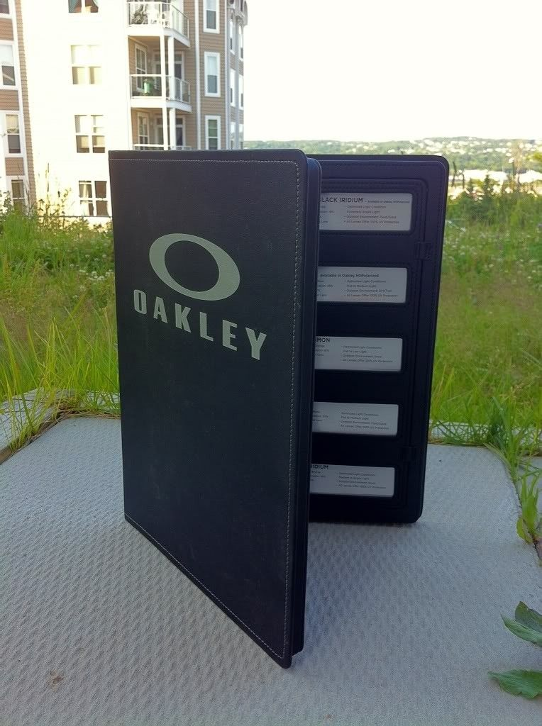 Oakley Lens Bible And Display Glorifier - 08ac14f6.jpg