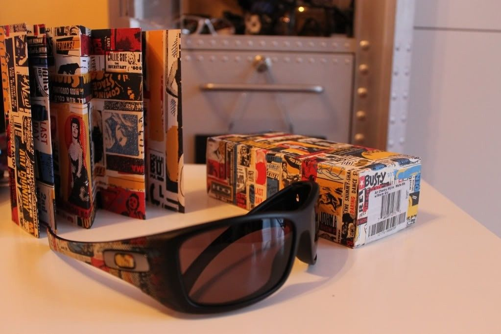 M-Frames, Eye Jacket, Art Chantry, Jawbone - 0d78dd4d12194e2b2b94f426531227ad_zpse3bc58c7.jpg