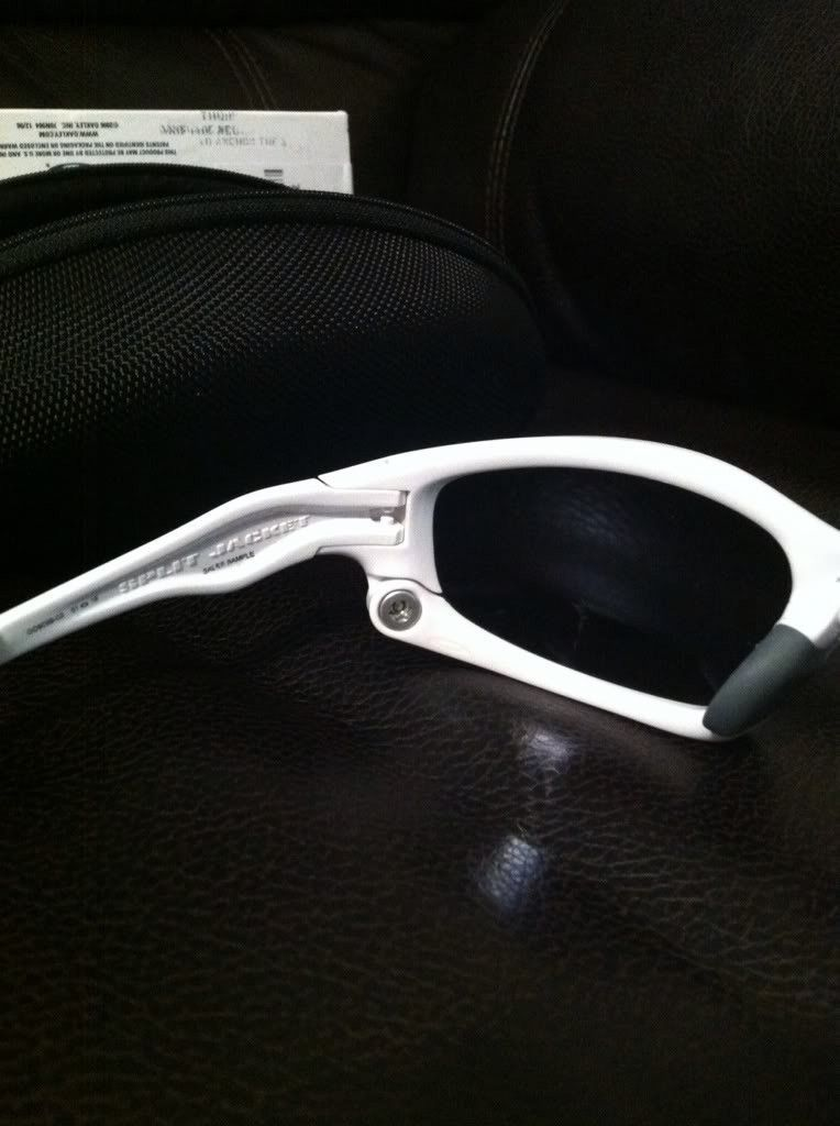 Polished White Splits - 0EEDA9A5-FADC-42C0-943C-A15CD3816D3A-44198-00001C898D1047DE.jpg