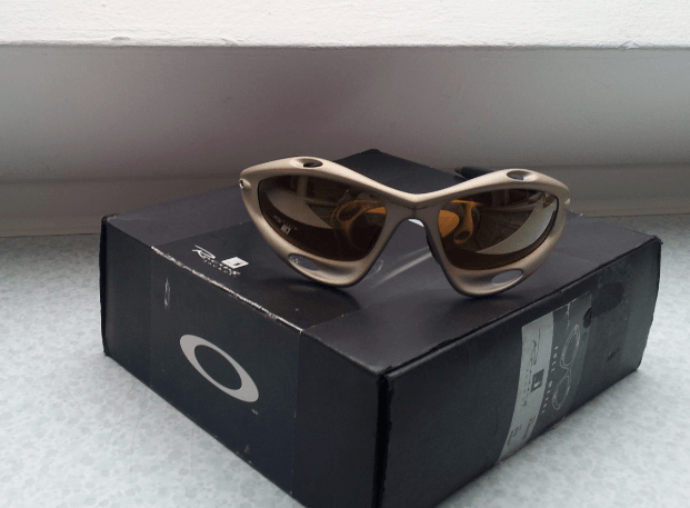 Small price drop - In Germany - Racing Jacket (Gen 1) Platinum w/Root beer & Gold Iridium Lens - 1.png