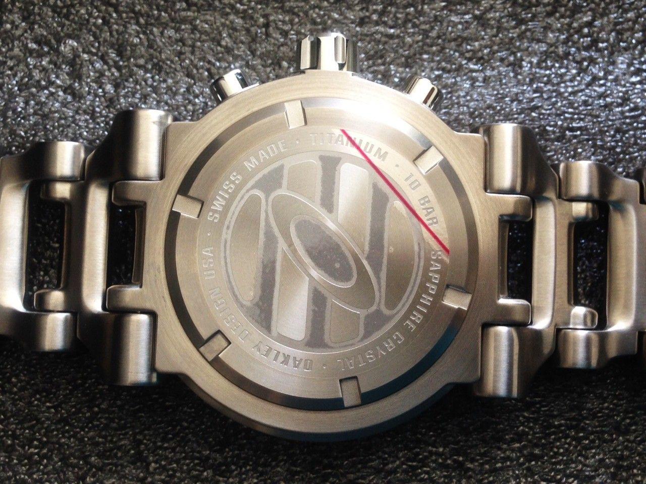 NEW IN BOX Oakley Hollow Point Titanium Watch White Dial 10-046 - 10.JPG