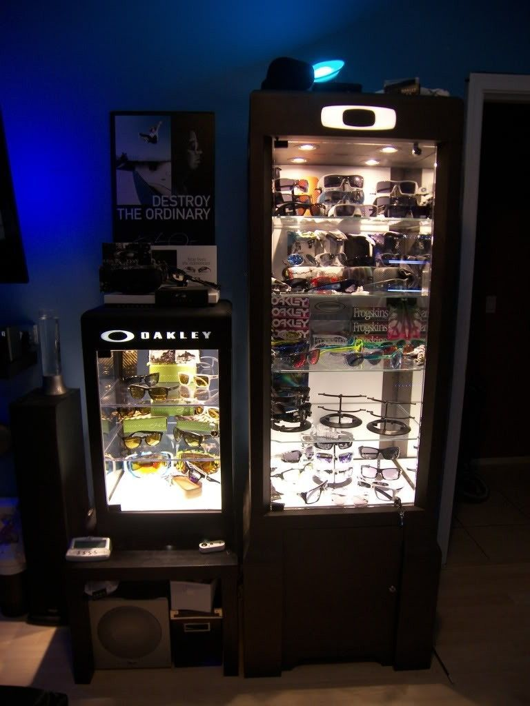 Just Got A New Oakley Display Case! - 100_1838.jpg