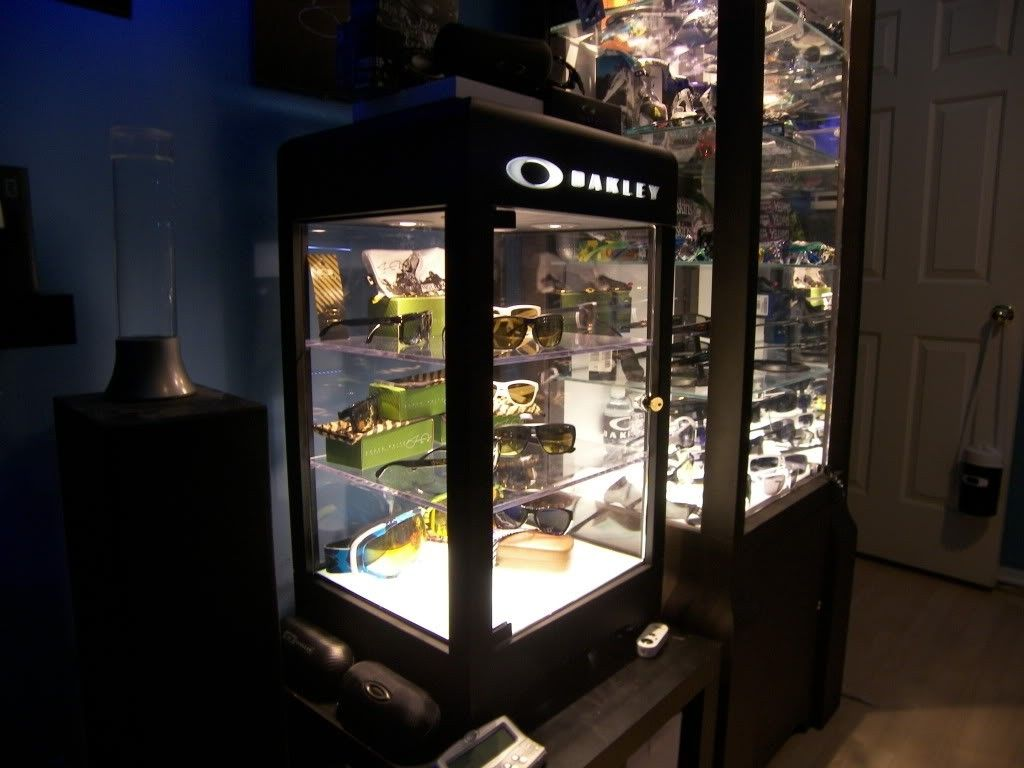 Just Got A New Oakley Display Case! - 100_1839.jpg