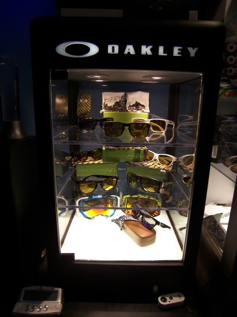 Just Got A New Oakley Display Case! - 100_1841.jpg
