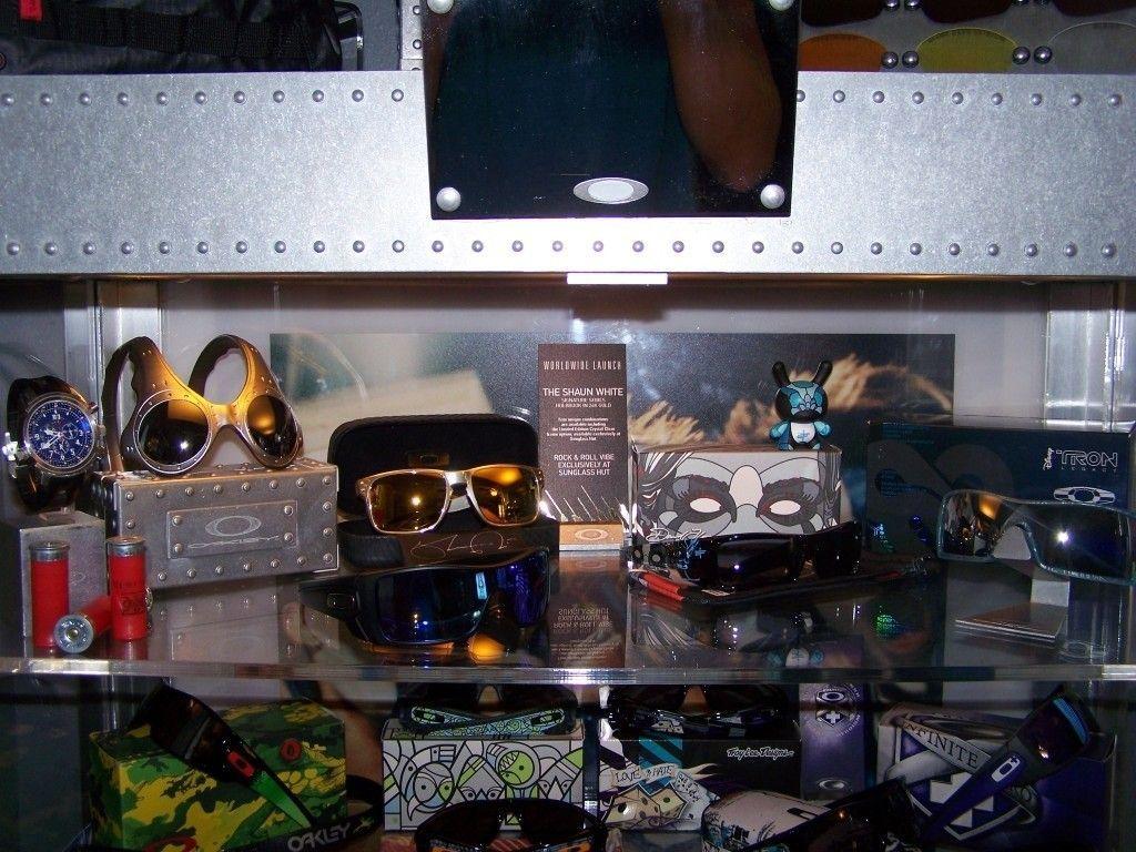 Gold Brooks BNIB $350 - 100_3454.jpg