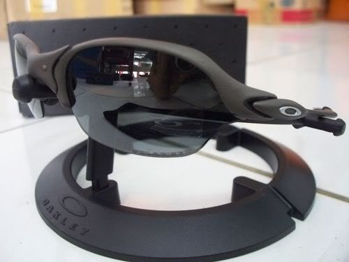 Oakley Romeo 2 Xmetal With Black Polarized - 100_3995.jpg