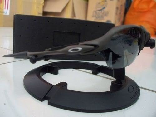 Oakley Romeo 2 Xmetal With Black Polarized - 100_3996.jpg