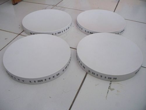 Plastic Stands & White Limited Edition Round Stand - 102_4790.jpg