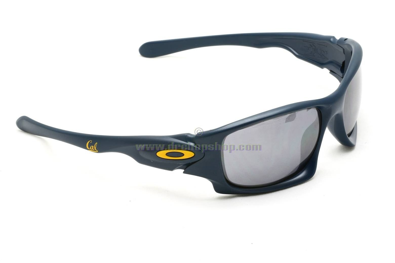 oakley sunglasses stockists near me