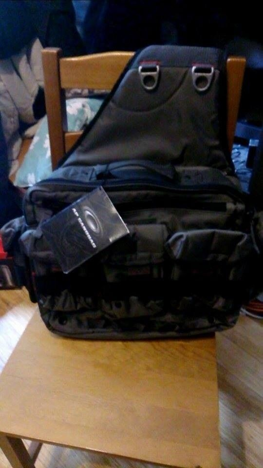 Can anyone help show me how this bag works? - 12200868_1513456982312423_1050200054_n.jpg
