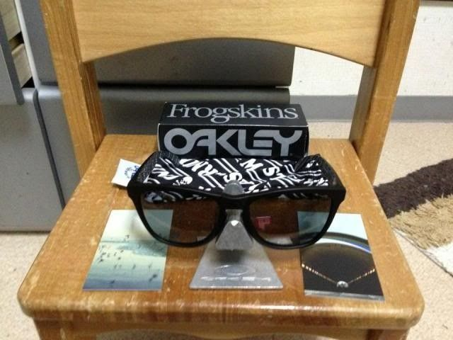 Oakley Frogskins Mastermind Japan Matte Black Bnib 350usd Shipped - 1236239_10200442969977420_1127332823_n_zps5e6c1c45.jpg