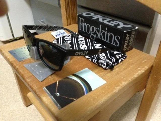 Oakley Frogskins Mastermind Japan Matte Black Bnib 350usd Shipped - 1239724_10200442970817441_1091263738_n_zps06f307bd.jpg