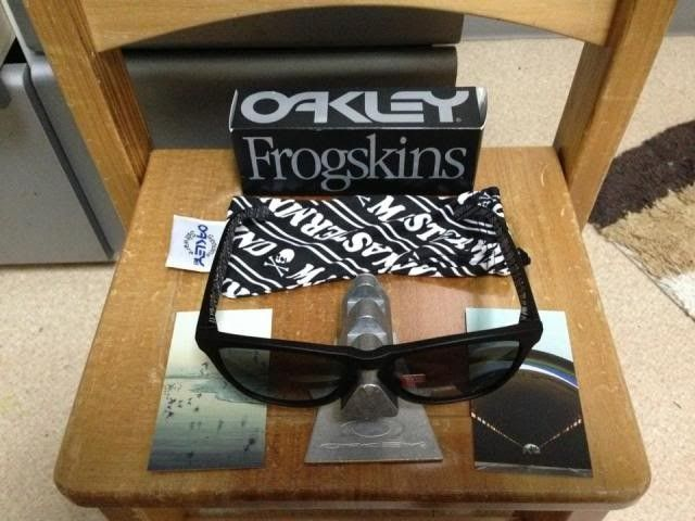 Oakley Frogskins Mastermind Japan Matte Black Bnib 350usd Shipped - 1240481_10200442971017446_1907339833_n_zps21b8069a.jpg