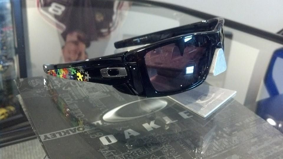 A few NEW Oakley's - 1374930_10203571799124589_6700126184189007716_n_zps440acfa5.jpg