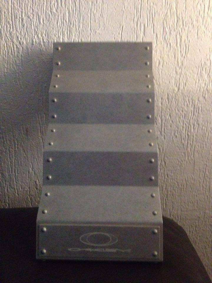 Hijinx Popaganda, x-metal Time Bomb Vault, metal display vault, old forgskins metal display - 13819451_10210099273699854_912618436_n.jpg
