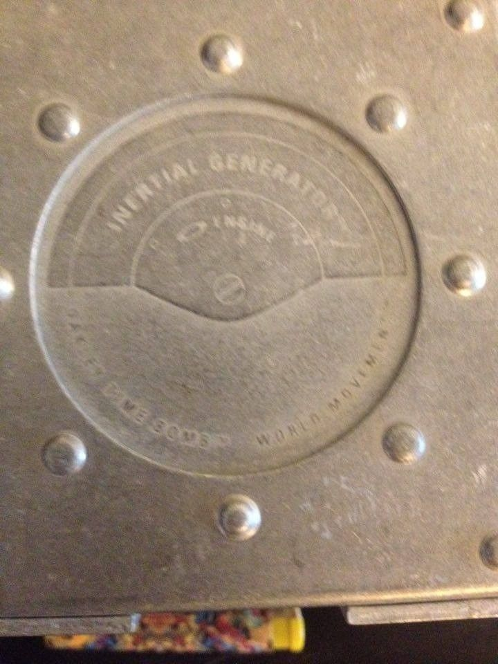 Hijinx Popaganda, x-metal Time Bomb Vault, metal display vault, old forgskins metal display - 13820343_10210099275859908_1809819183_n.jpg