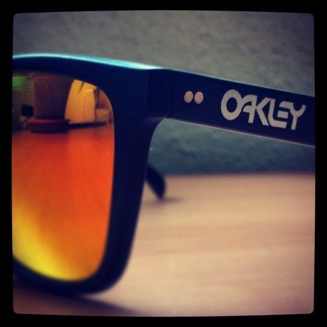 1st Generation Japan Oakley Frogskins - 14063432920_170371b6d6_z.jpg