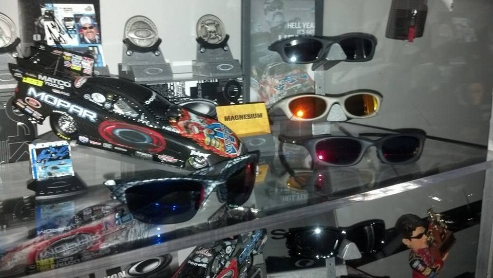 New guy....some of my Oakley's! - 1425540_10202347340553890_1431981557_n_zpsc91d24f6.jpg