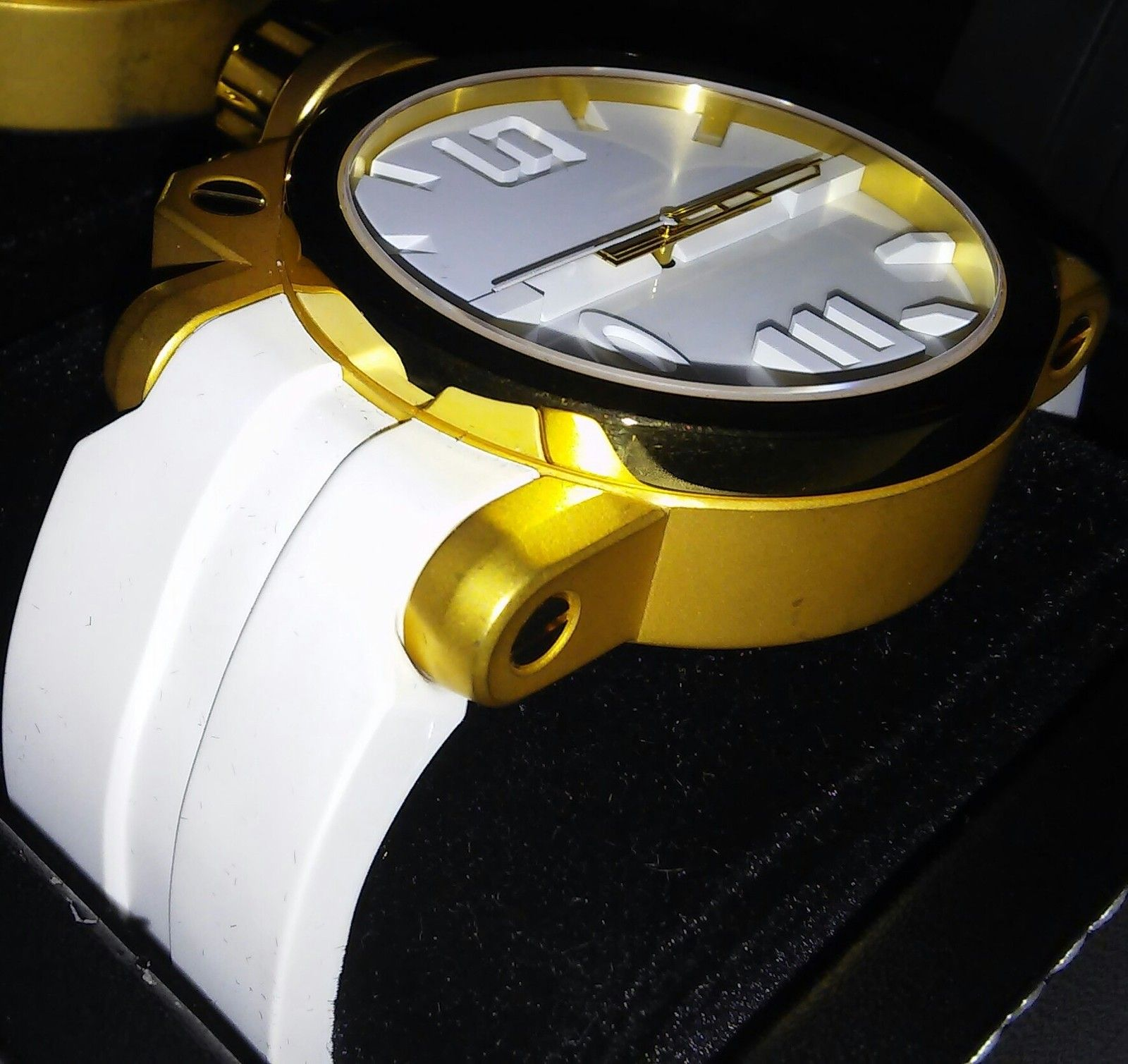 White and gold gearbox - 1429802231511-1.jpg