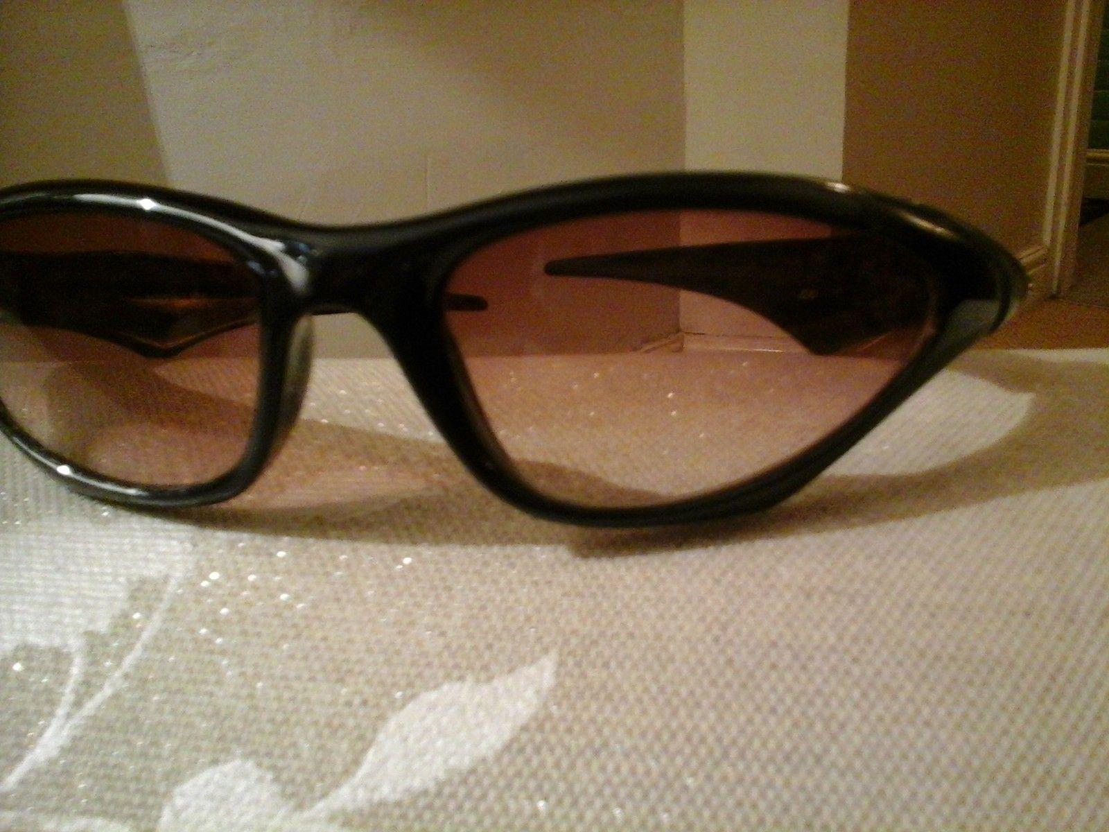 Oakley sunglasses identification - 1441914393028552440552.jpg