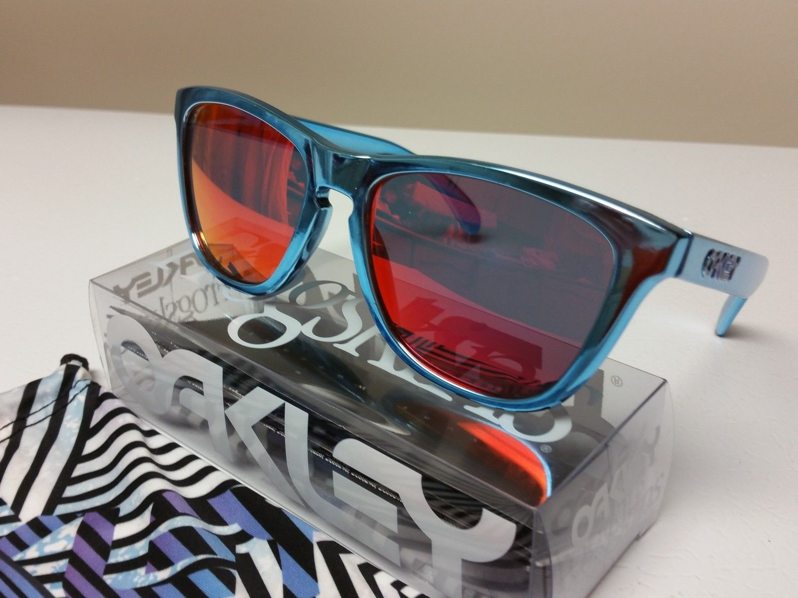 7a4d024209 Shaun White X Oakley Frogskins Sunglasses « Heritage Malta