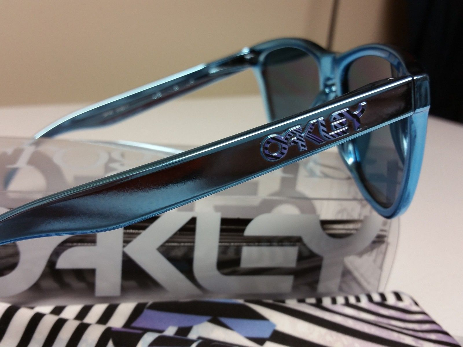 Shaun white blue chrome frogskins - 1449720322376-770233350.jpg