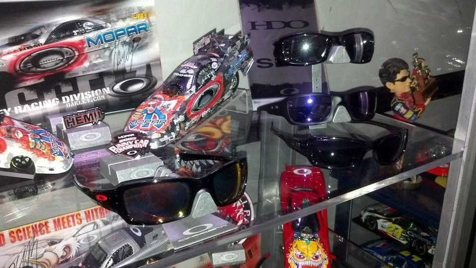 New guy....some of my Oakley's! - 1466115_10202347399875373_526378948_n_zps2c2604a9.jpg