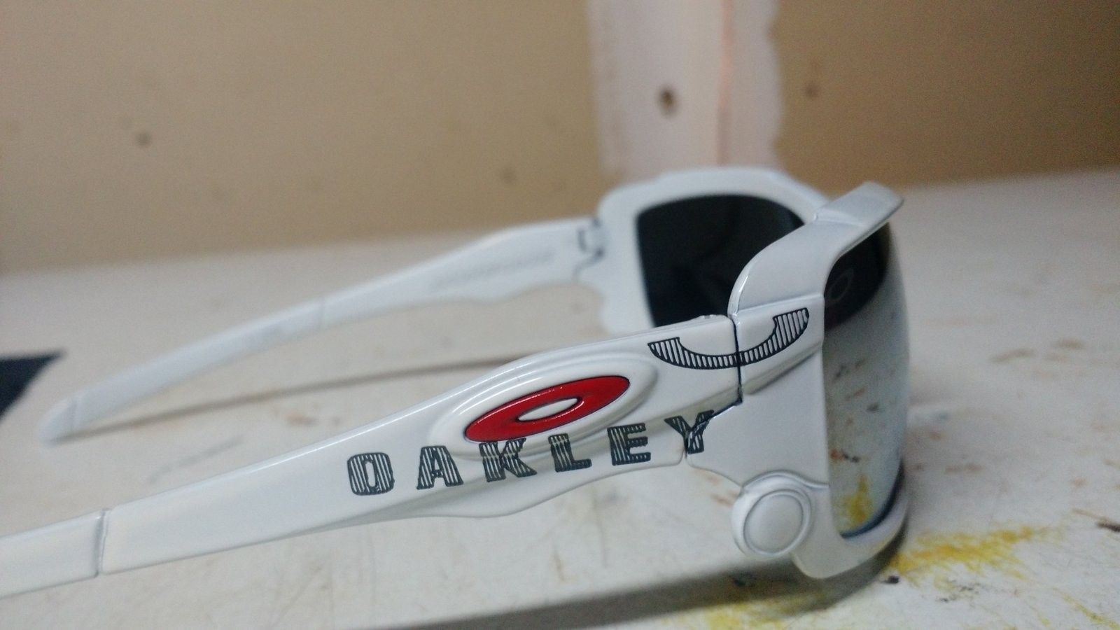 Can't identify if Oakley's are real/fake!? - 1466747899828-18344419.jpg
