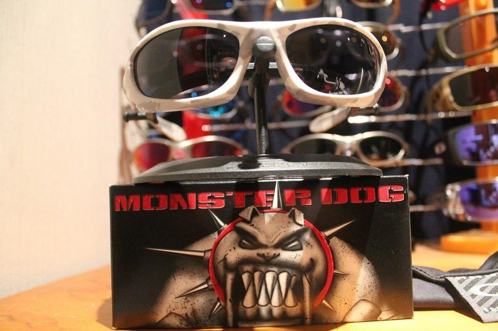 Monster Dog White Carmo With Grey BNIB - 14997887935_86e840e33c_b.jpg