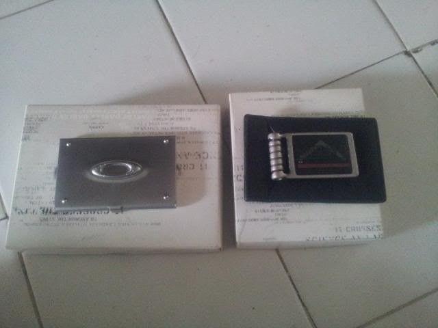 Oakley Moneyclip Wallet & Oakley Bussiness Card Case - 1524913_10202185237008559_233220532_n_zps7969e0aa.jpg
