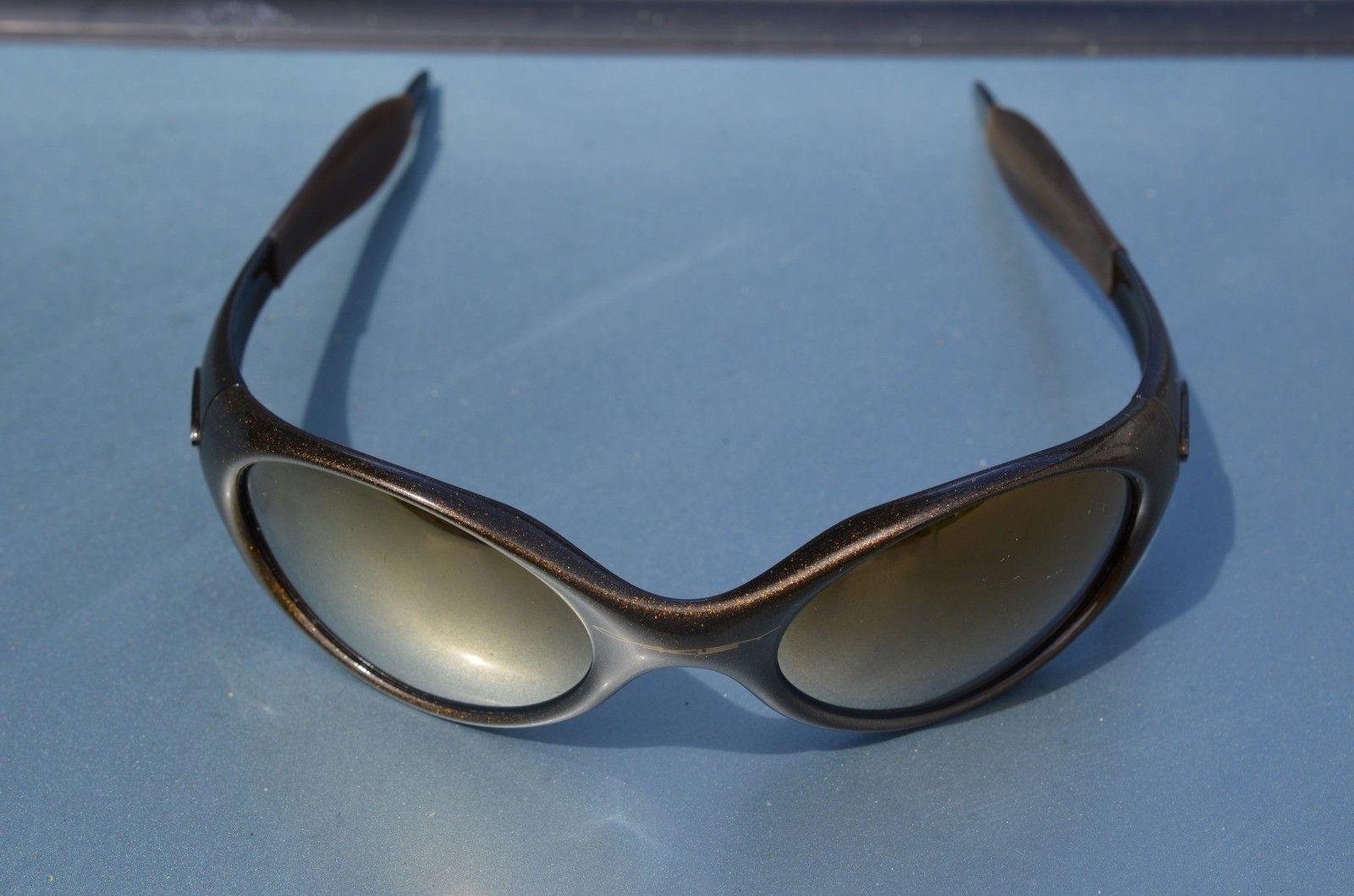 Oakley Trenchcoats, Twenty XX, M Frame gen2 Fang, Juliet - 16774802517_1633930ade_k.jpg