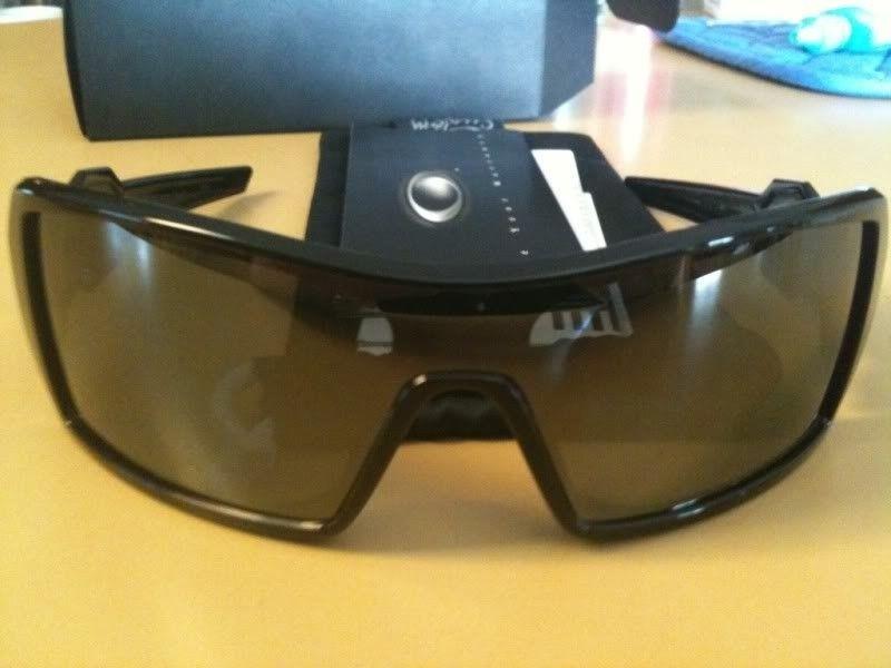 FS: Brand New Oakley Custom Oil Rig....Polished Black Frame....Polarized - 16edd39f.jpg
