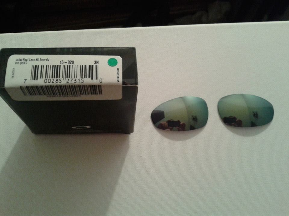 Juliet Emerald Lenses With Box And Fire Lenses With Box - 1798675_621002461300960_1504349806_n.jpg