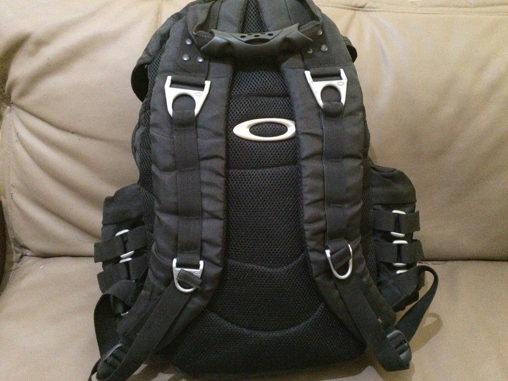 [Fake or Real? ] Identify an Oakley Backpack - 17F6F3F6-D62A-484F-A8E1-7D5501AD8128_zpsch39jnj6.jpg