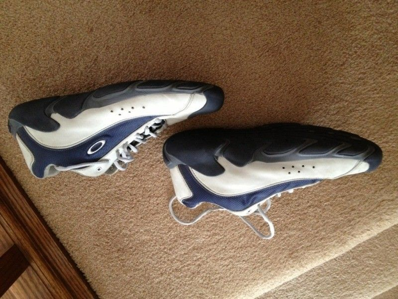 Anybody Recognize These Shoes? - 1849072E-A55F-40E6-B83B-4EB60F222C81-1487-000000FEFD52E604_zpsbc0469c2.jpg