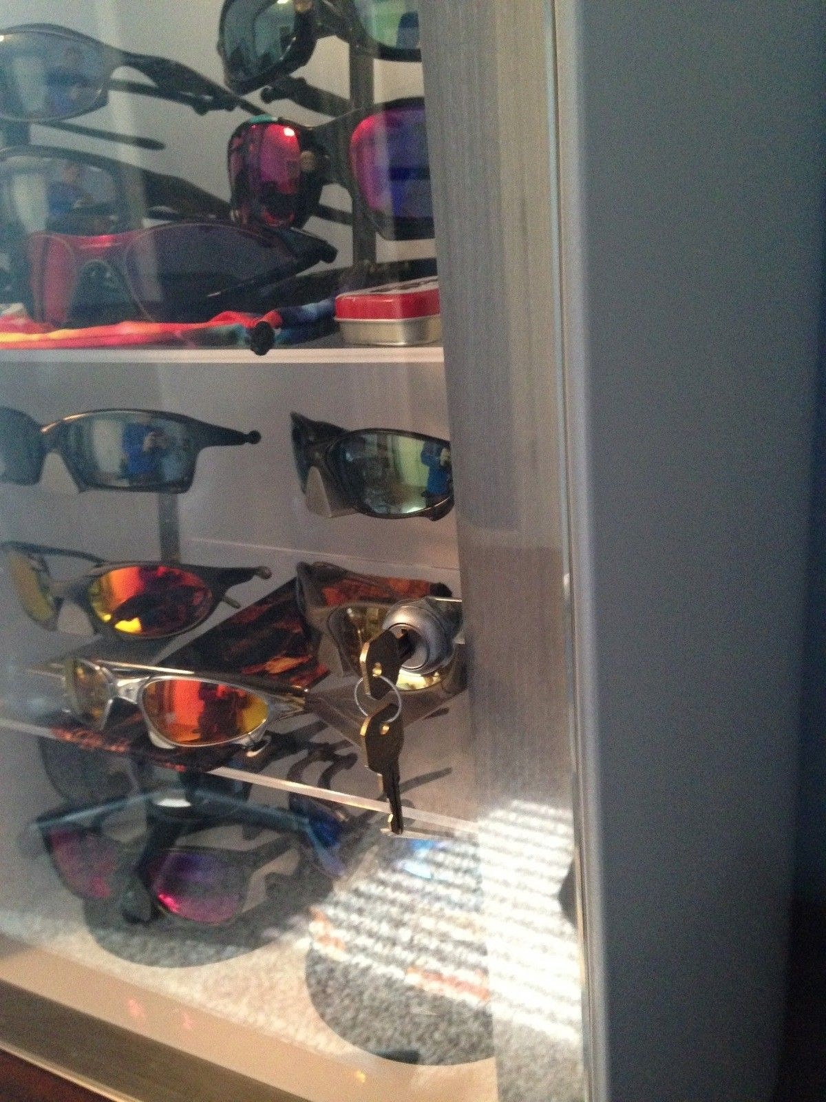 Metal Display Case for Oakley Sunglasses - 1962.JPG