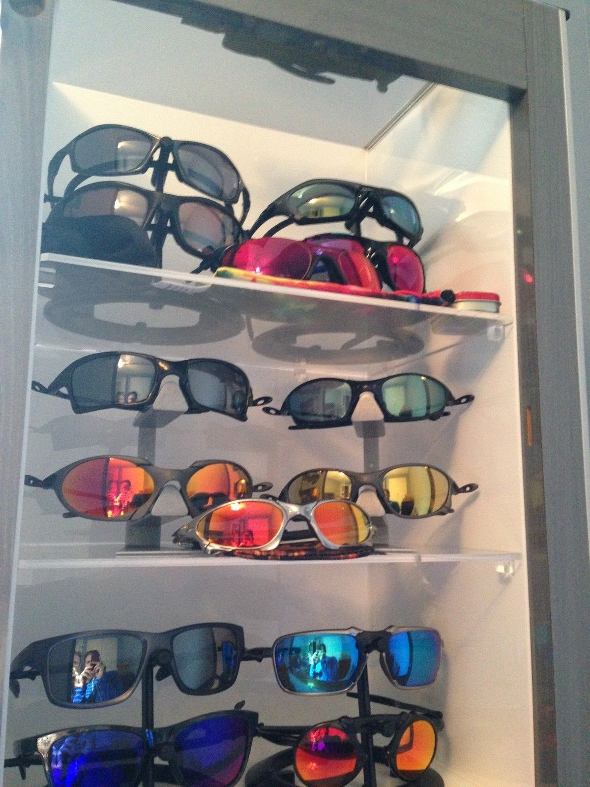 Metal Display Case for Oakley Sunglasses - 1963.JPG