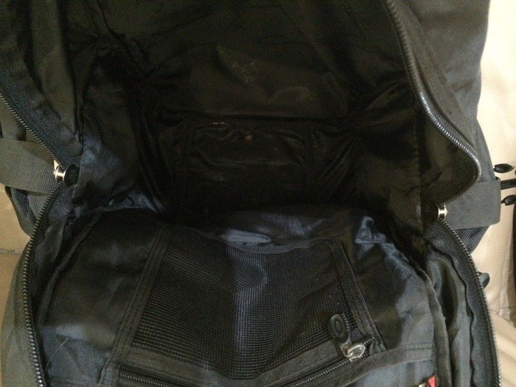 [Fake or Real? ] Identify an Oakley Backpack - 19916E0F-6373-4D92-B4DA-6E8EF261BFA5_zpsq1koyqxq.jpg