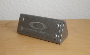 Metal Card Display Or Coin Display? - 2.png