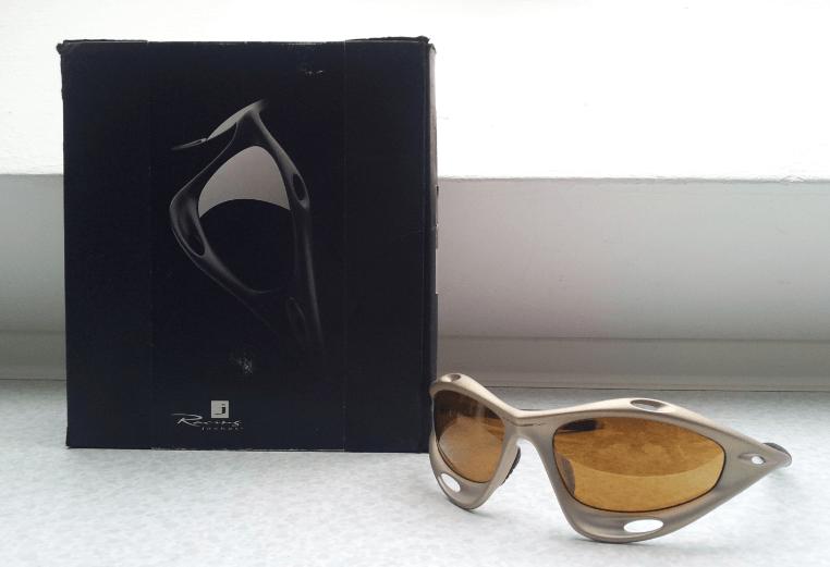 Small price drop - In Germany - Racing Jacket (Gen 1) Platinum w/Root beer & Gold Iridium Lens - 2.png