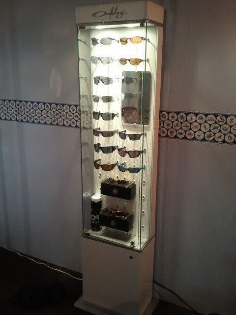 Oakley Women's Display Case for your Sunnies.... - 2012-03-25154735.jpg